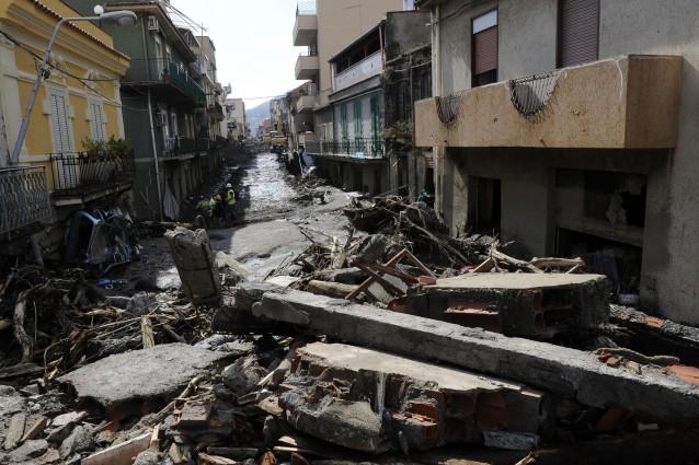 Foto dell'alluvione avvenuta nel Comune di Saponara