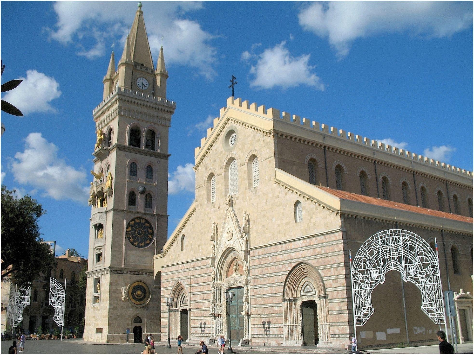 Isola pedonale Piazza Duomo. Cacciola incontrerà i commercianti