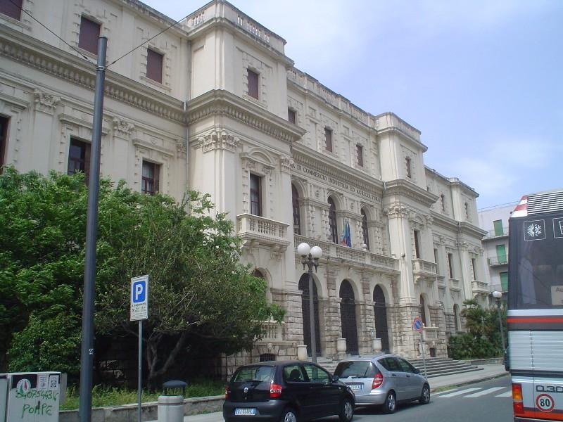 55fcfa67a0 La Camera di Commercio alla protesta di Roma: contro lo smantellamento dei  servizi - Normanno.com