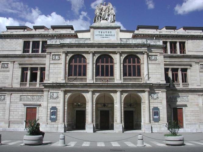 teatro vittorio emanuele