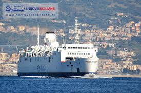 Villa nave traghetto