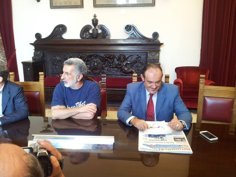 Accorinti Ferlisi conferenza tir ottobre 2014