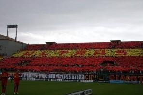 """Destino Acr Messina. Gli Ultras: """"Lo Monaco vattene. Basta cazzari"""""""