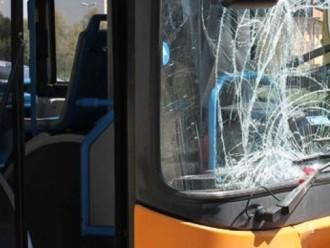 autobus vetro rotto