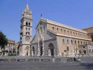 Isola pedonale Duomo, commercianti ignorati creano un Comitato