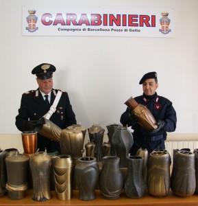 I Carabinieri scoprono un deposito di ornamenti funerari rubati al cimitero comunale di Merì