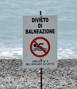 divieto-di-balneazione-dal-san-pietro-a-laurito-localita-sirene