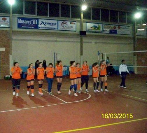 squadra schierata al centro del campo