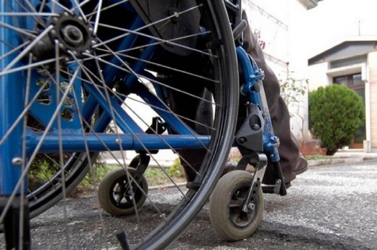 disabile-sedia-a-rotelle