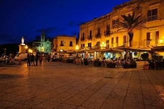 Piazza di Marina Corta a Lipari