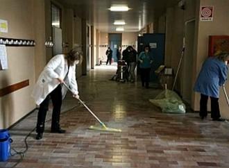 Foto dell'attività di pulizia nelle scuole - Disinfestazione e derattizzazione