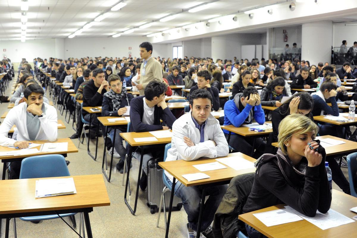Corso di laurea in medicina a enna insorge unione for Simulazione test laurea magistrale infermieristica