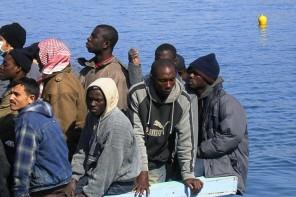 Messina. Sbarcati 111 migranti a bordo della nave Aquarius