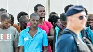 migranti sbarco messina