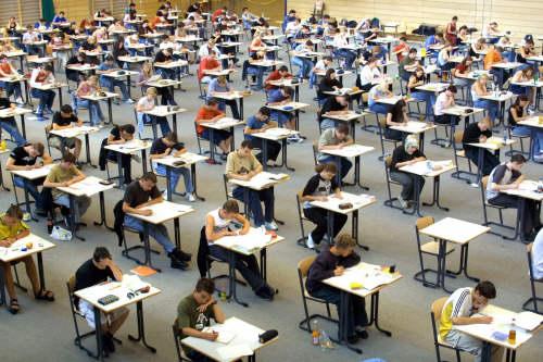 ©Dpa/ Lapresse 15-06-2004 Italia Interni Scuola, Esami di Maturità