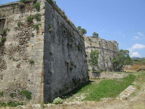 Domenica 25 riapre Castel Gonzaga. Giochi, cibo e intrattenimento: il programma