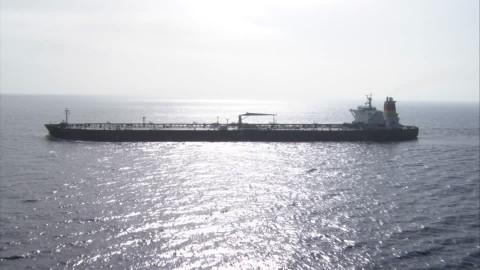 nave-cisterna-navigazione-foschia-trasporto