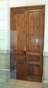 La porta che potrebbe fungere da uscita di emergenza