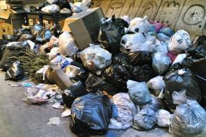 Emergenza rifiuti. Il punto del sindaco Accorinti e dell'assessore Ialacqua (VIDEO)