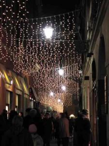 Natale a Messina, il Comune stanzia 40mila euro per luci e addobbi. La città non se ne accorge