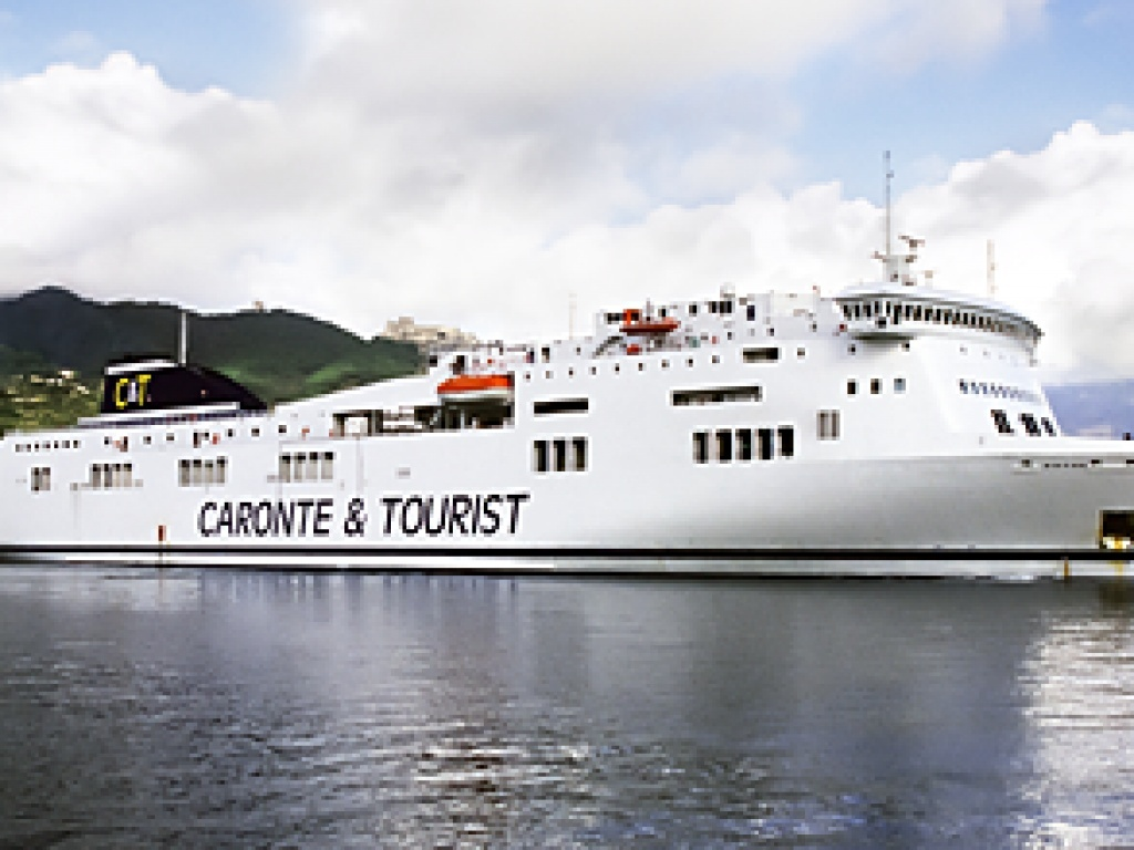 Caronte & Tourist nave