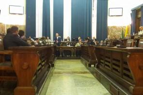 Un'Aula semivuota dice sì al Previsionale 2015. Contestata l'assenza di Udc e Dr