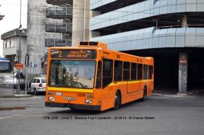Foto di un autobus in procinto di uscire da Cavallotti