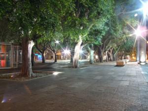 piazza-cairoli-sera