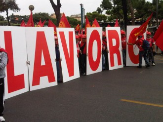 lavoratori-protesta