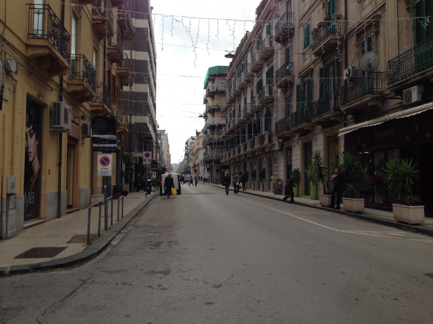 Foto dell'isola pedonale in via dei Mille a Messina