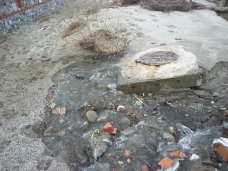 Foto c.da Mella ore 12,15 fuoriuscita liquami San Saba a mare 001