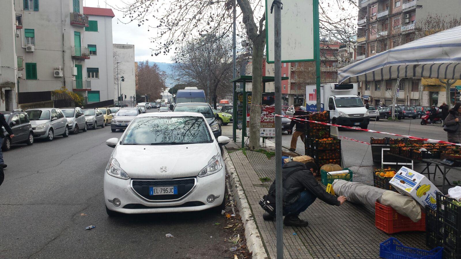 Messina. Sparatoria al mercato di Giostra. Gambizzati padre e figlio
