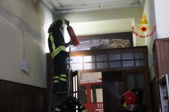 Princio Incendio Via centonze Messina (4)