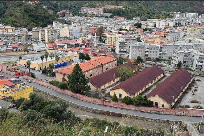 Caserma di Bisconte - hotspot messina