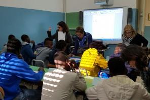 Il Caio Duilio accoglie tra i banchi di scuola i minori immigrati