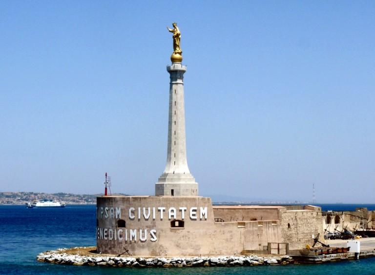 Foto della Madonnina dello Stretto di Messina