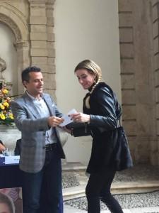 Consegna assegno a Ivana Silvestro