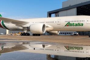 """Alitalia: cosa succederà ai viaggiatori? Consumatori associati: """"Volate sicuri entro maggio"""""""