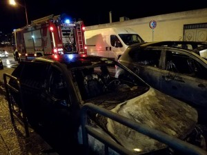 auto in fiamme2