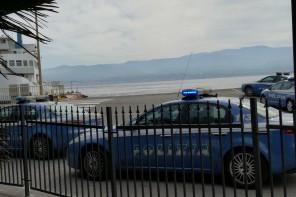 polizia serpentone caronte
