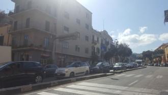 Viale Boccetta-la lunga coda di auto