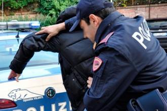 Polizia ferma violenza