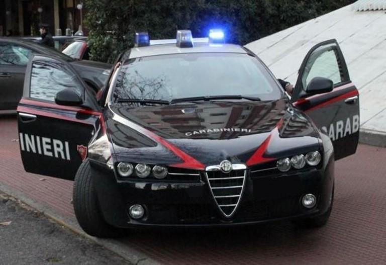 Foto di una radiomobile dei carabinieri