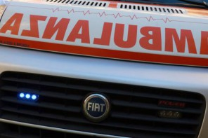 Brutto incidente in autostrada: auto cappotta sulla A20 Messina Palermo