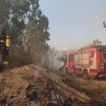 Foto Vigili del Fuoco che spengono incendio a Messina