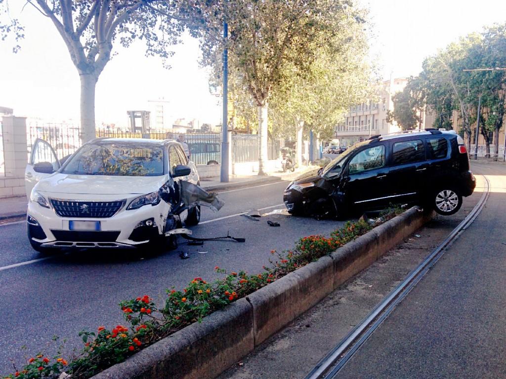 Incidente cortina del porto di Messina - Foto 01
