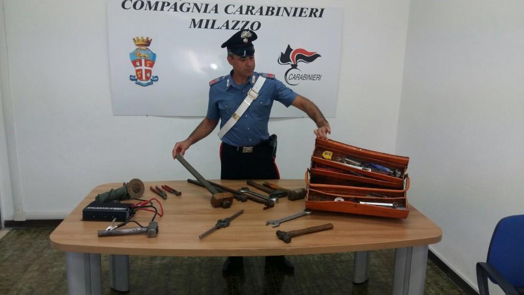 Foto materiale sequestrato agli scassinatori di Giammoro