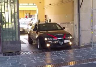 auto-carabinieri-caserma-messina