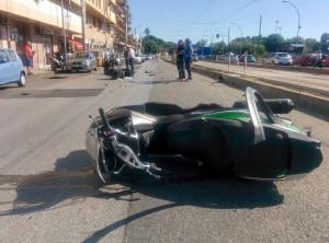 Foto 10 Scooter - Incidente sul viale della Libertà - Messina