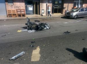 Foto 11 Scooter - Incidente sul viale della Libertà - Messina